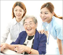 【パート】【伊勢市】介護職 特別養護老人ホーム 日勤のみ、残業なし、16:30までの勤務でOKなのでムリなく家事や育児との両立ができます!!月・火の週2日だけの勤務でOKなのでご家族との時間も大切にできます(●^o^●)福利厚生もシッカリしているので安心して長く働ける職場ですよ~♬     No.4546-AM イメージ